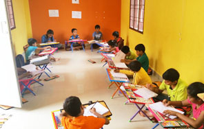 Dessin School of Arts, Pearl Kids International, canvas painting classes in Anna Nagar P Block Class Room Photo 2