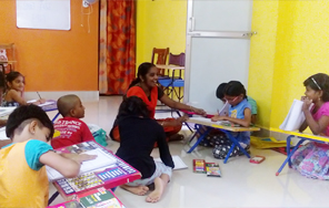 Dessin School of Arts, Pearl Kids International, canvas painting classes in Anna Nagar P BlockClass Room Photo 3